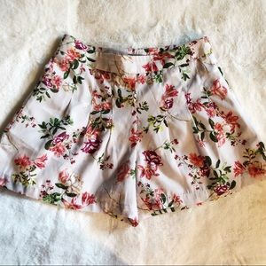 F21 Contemporary Floral Short